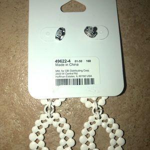 Icing white dangling earrings
